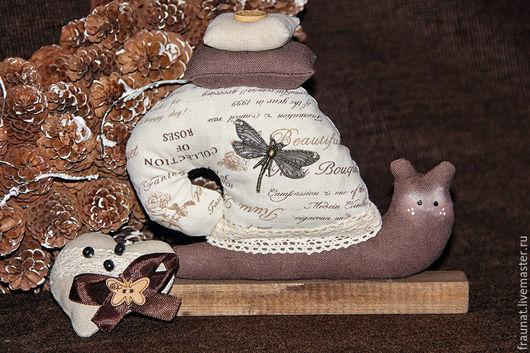 Куклы Тильды ручной работы. Ярмарка Мастеров - ручная работа. Купить Улитка Тильда в шоколадно-коричневой гамме. Handmade. Коричневый