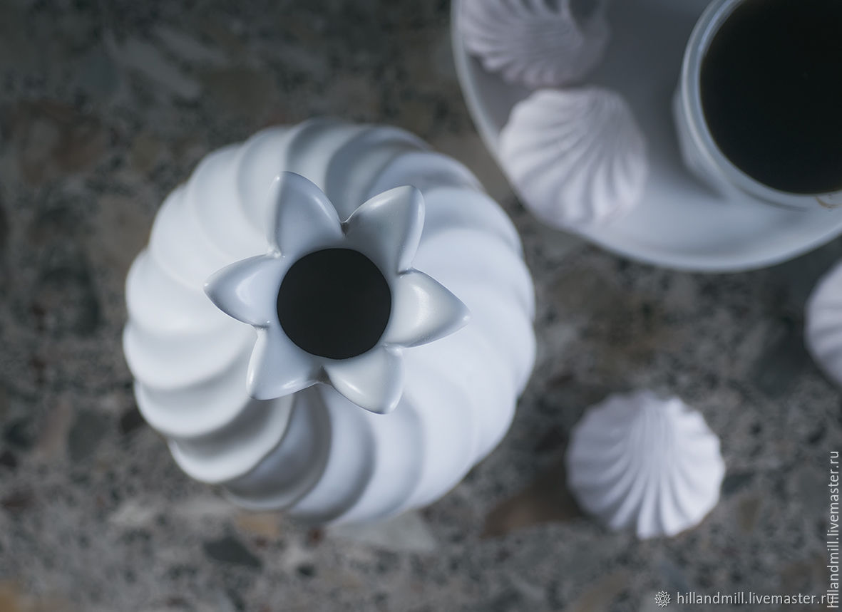 "Ваза ""Zefir White M"" керамика"