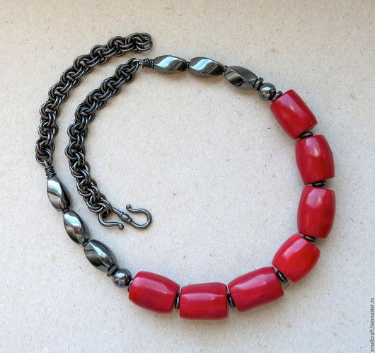 Колье, бусы ручной работы. Ярмарка Мастеров - ручная работа. Купить Короткие бусы с красным кораллом, гематитом. Handmade.