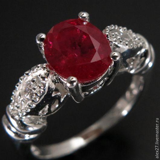 Кольцо рубин (1,70 ct.), сапфир, р.17,0 серебро 925