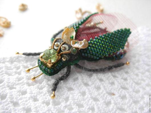 """Броши ручной работы. Ярмарка Мастеров - ручная работа. Купить Брошь """"Добрый жук"""". Handmade. Тёмно-зелёный, брошь насекомое"""