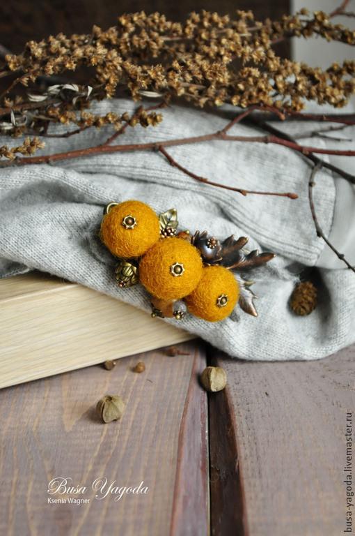"""Броши ручной работы. Ярмарка Мастеров - ручная работа. Купить Брошь """"Мимоза"""". Handmade. Оранжевый, брошь из войлока, лабрадор"""