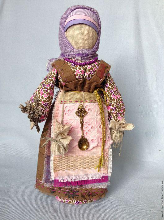 Народные куклы ручной работы, Купить кукла-оберег Берегиня дома, Handmade, оберег для дома, оберег для семьи, русская традиция, сиреневый, розовый, хаки, зеленый.