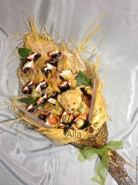 Подарки на свадьбу ручной работы. Ярмарка Мастеров - ручная работа. Купить Букет из конфет Ферреро Роше вертикальный. Handmade. Лимонный
