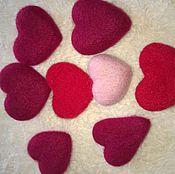 Подарки к праздникам ручной работы. Ярмарка Мастеров - ручная работа Сердечки из шерсти. Handmade.