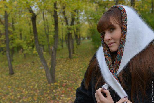 Платок-косынка в русском стиле из высококачественной ангоры. Ручная работа.