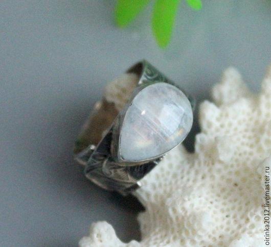 Кольца ручной работы. Ярмарка Мастеров - ручная работа. Купить Кольцо с лунным  камнем. Handmade. Белый, кольцо из серебра, адуляр