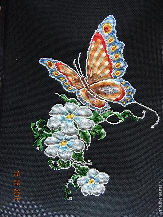 Животные ручной работы. Ярмарка Мастеров - ручная работа. Купить Бабочка на цветах. Handmade. Вышивка ручная, подарок девушке, бабочка