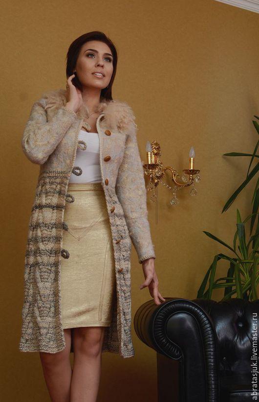 """Верхняя одежда ручной работы. Ярмарка Мастеров - ручная работа. Купить Пальто в смешанной технике """"Карамельный капучино"""". Handmade. Бежевый"""
