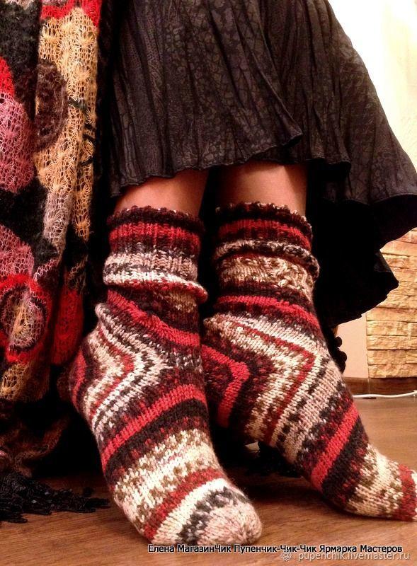 Носки женские, связанные спицами без швов РОЖДЕСТВО ручная работа