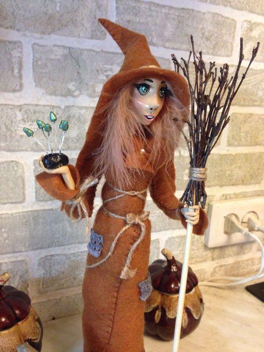 Сказочные персонажи ручной работы. Ярмарка Мастеров - ручная работа. Купить Ведьмочка с волшебными грибами. Handmade. Ведьма, метла