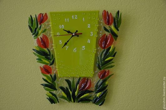 """Часы для дома ручной работы. Ярмарка Мастеров - ручная работа. Купить Часы настенные из стекла """"Весенние тюльпаны"""". Фьюзинг.. Handmade."""