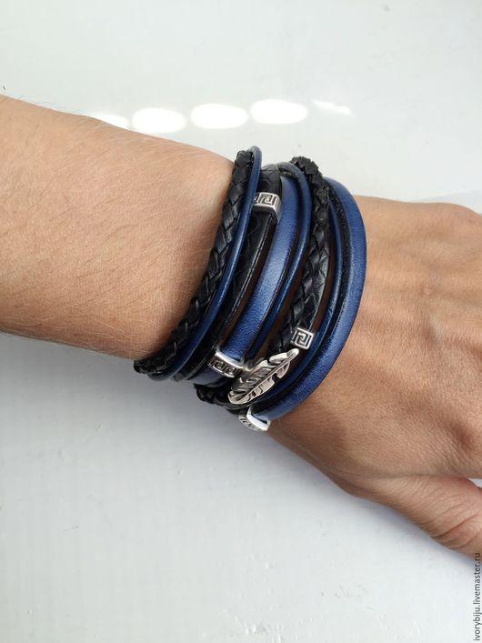 Браслеты ручной работы. Ярмарка Мастеров - ручная работа. Купить Кожаный браслет намотка, чёрно-синий. Handmade. Бежевый браслет