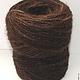 Пряжа «коричневая200м100гр» из собачьей шерсти. Пряжа спрядена вручную . Использован пух : 70% кавказской овчарки 30% сенбернара  Толщина пряжи – 200метров\100грамм . Цвет – коричневый . Пряжа
