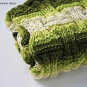 Аксессуары ручной работы. Ярмарка Мастеров - ручная работа Шарф снуд хомут вязаный спицами полосатый зелёный. Handmade.