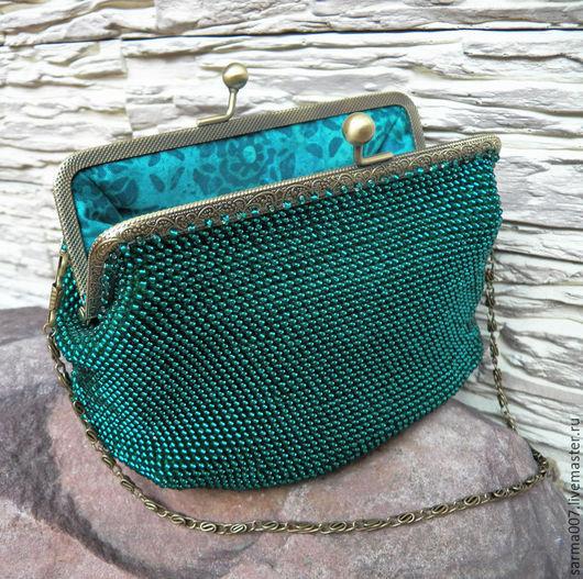 """Женские сумки ручной работы. Ярмарка Мастеров - ручная работа. Купить """" Emerald """"  сумочка,косметичка, кошелек  из бисера. Handmade."""