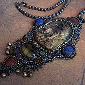 Украшения ручной работы. Ярмарка Мастеров - ручная работа Кулон вышивка бисером REIKJOU резьба по камню, лазурит, яшма, аметист. Handmade.