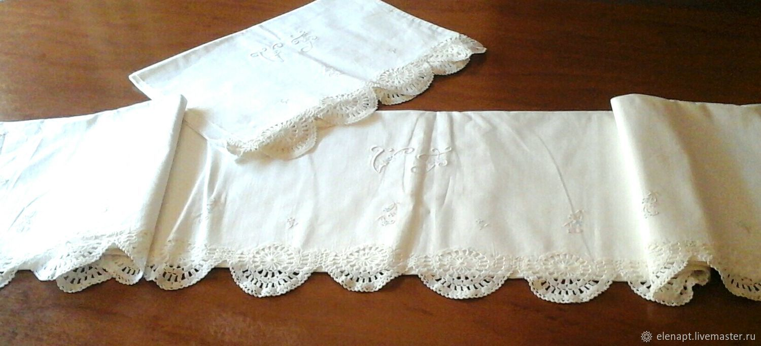 Beautiful vintage set with embroidery and lace trim, Vintage interior, ,  Фото №1