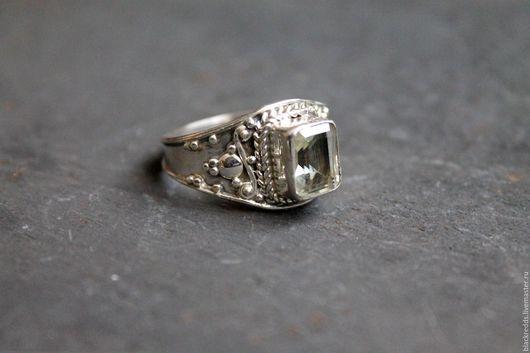 Кольца ручной работы. Ярмарка Мастеров - ручная работа. Купить Серебряное кольцо с зеленым аметистом 925пр. Handmade. Зеленый камень