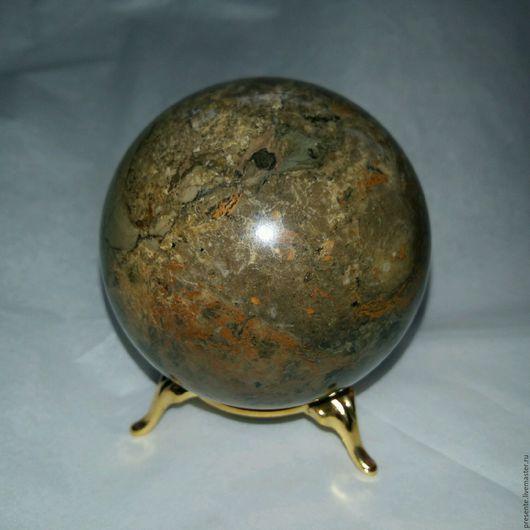 7.4 см шар из доломитизированного известняка.Работа Руслана Соцкого.