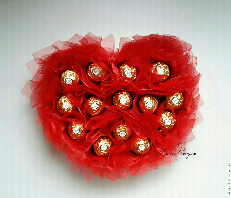 Сердце из конфет на 14 февраля