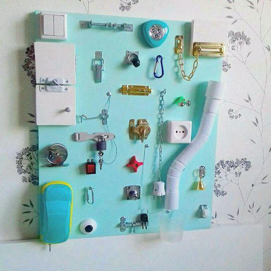 """Развивающие игрушки ручной работы. Ярмарка Мастеров - ручная работа. Купить Доска Монтессори для детей /  Бизиборд """"Мята"""" / Busyboard. Handmade."""