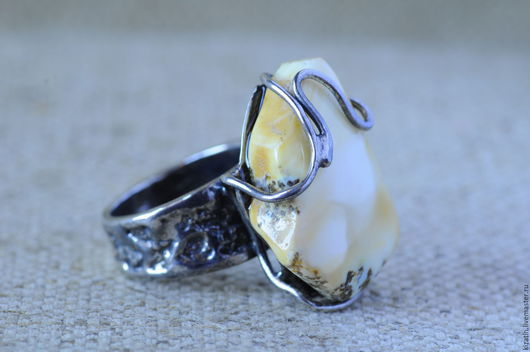 Кольца ручной работы. Ярмарка Мастеров - ручная работа. Купить кольцо тин с янтарем цвета кофе с молоком. Handmade. Янтарь