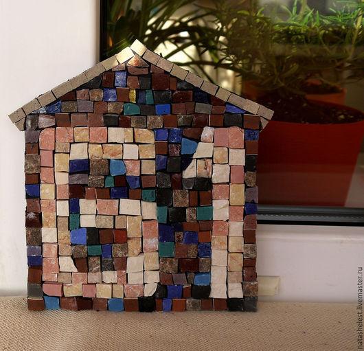 Мозаика `Номер дома моего`. Наталья Шестакова - дизайнер, декоратор.