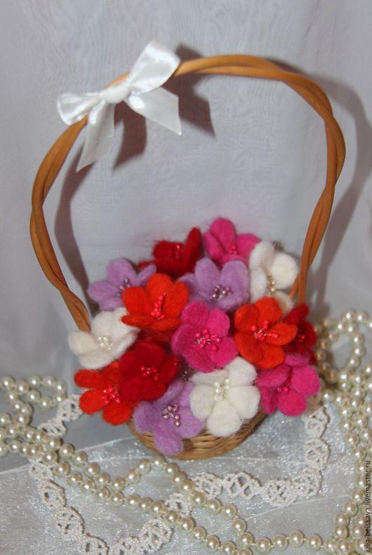 """Цветы ручной работы. Ярмарка Мастеров - ручная работа. Купить Композиции """"Весна """" и """"Полянка"""" из цветов ручной работы из шерсти. Handmade."""