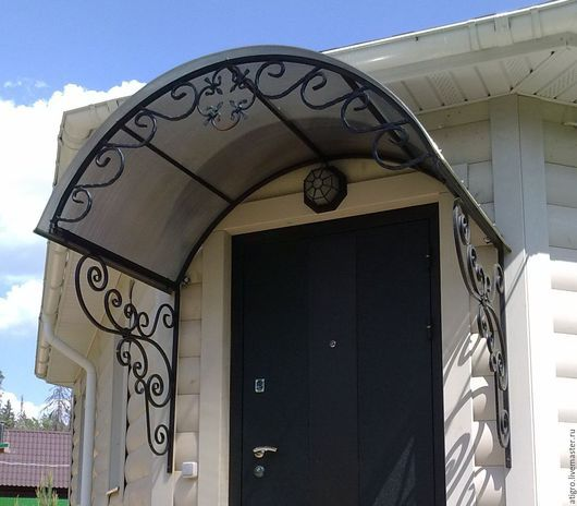 козырек арочный с элементами ковки над дверью,входом,крыльцом для дома,дачи,бани.