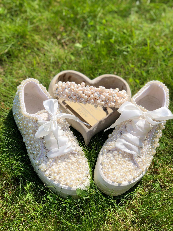 Обувь ручной работы. Ярмарка Мастеров - ручная работа. Купить Кеды для невесты. Кеды расшитые жемчугом. Кеды Айвори с жемчугом. Handmade.