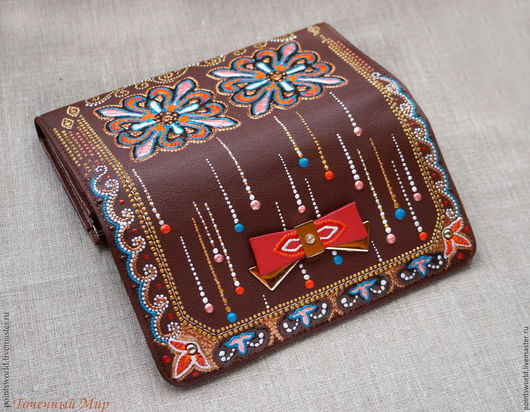 кошелек, кошелек в подарок, вместительный кошелек, большой кошелек, кошелек кожзам, кошелек из искусственной кожи, кожзаменитель, кошелек с росписью, ручная роспись, точечная роспись, коричневый