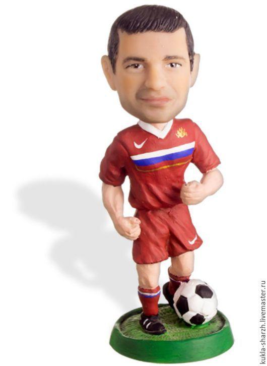 Статуэтки ручной работы. Ярмарка Мастеров - ручная работа. Купить Статуэтка кукла-шарж по фото подарок мужчине«Футболист». Handmade. Статуэтка