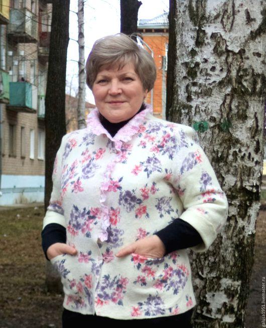 """Верхняя одежда ручной работы. Ярмарка Мастеров - ручная работа. Купить Жакет-куртка """" Цветут сады"""". Handmade. Цветочный"""