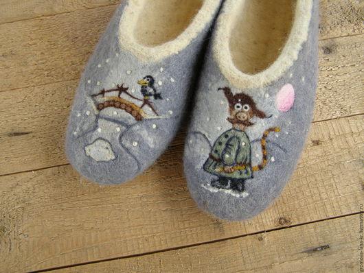 """Обувь ручной работы. Ярмарка Мастеров - ручная работа. Купить Тапочки  с задником валяные """"Падал прошлогодний снег"""". Handmade."""