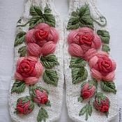"""Аксессуары handmade. Livemaster - original item Варежки с ручной вышивкой """"Розарий"""". Handmade."""