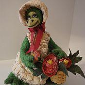 Куклы и игрушки ручной работы. Ярмарка Мастеров - ручная работа Крокодилица Люся цветочница. Handmade.