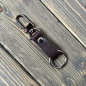 Брелок ручной работы. Ярмарка Мастеров - ручная работа Кожаный держатель для ключей на джинсы. Handmade.