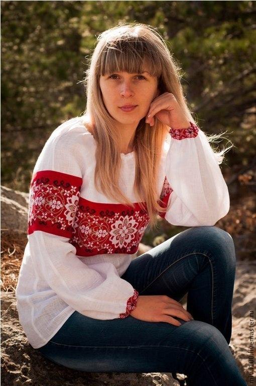 Женская сорочка `Цветочный орнамент`