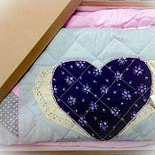 Для дома и интерьера ручной работы. Ярмарка Мастеров - ручная работа Набор текстиля в детскую (лоскутное одеяло, коврик, подушка, игрушка). Handmade.