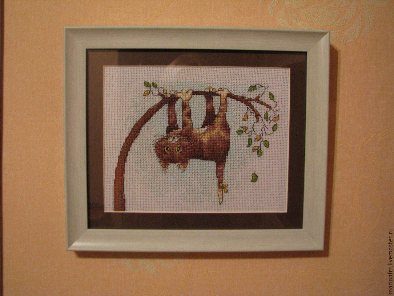 Вышивка кошка на дереве