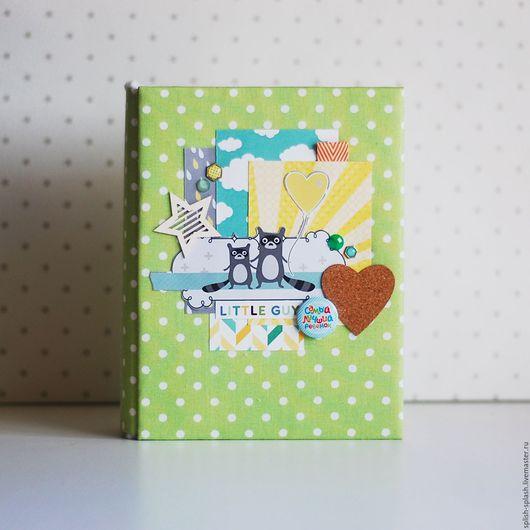 """Подарки для новорожденных, ручной работы. Ярмарка Мастеров - ручная работа. Купить Альбом на первый год жизни """"Зверята"""". Handmade. Салатовый"""