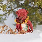 Куклы и игрушки ручной работы. Ярмарка Мастеров - ручная работа Новогодний помощник мишка тедди. Handmade.