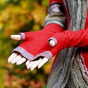 Аксессуары ручной работы. Ярмарка Мастеров - ручная работа Митенки валяные -  красные с серой отделкой. Handmade.