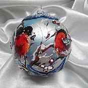 """Статуэтка ручной работы. Ярмарка Мастеров - ручная работа """" Пора свиданий"""" Снегири с объемным синим декором. Handmade."""