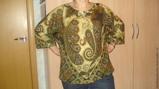 Павлопосадский платок Фаворит. Блузка выполнена  по косой. Можно носить с юбкой, брюками, джинсами. Очень комфортная, нарядная вещь для любого возраста.