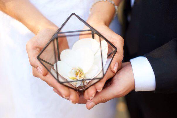 Стеклянная шкатулка для колец на свадьбу