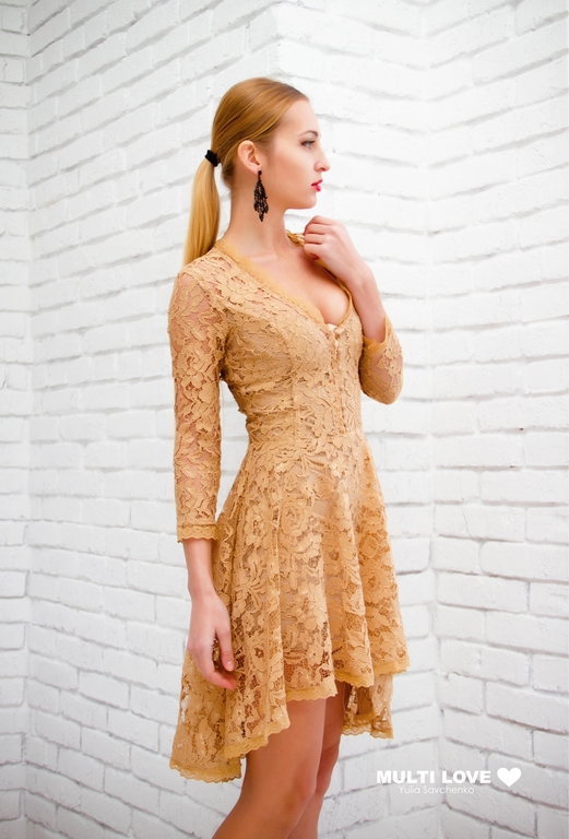 Платья спереди короткое сзади длинное гипюровое