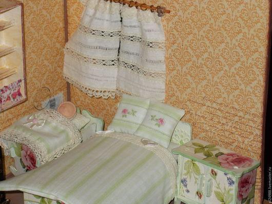 Кукольный дом ручной работы. Ярмарка Мастеров - ручная работа. Купить Кукольная мебель с бельем, масштаб 1:12.. Handmade.