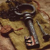 """Для дома и интерьера ручной работы. Ярмарка Мастеров - ручная работа Старинный ключ 17 века на цепи. Оберег """"Старинный ключ"""". Handmade."""